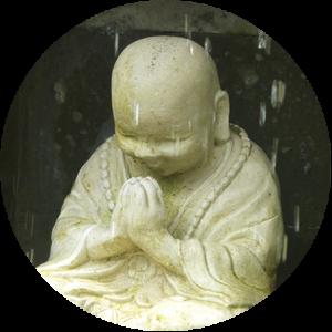Bouddha et gouttes d'eau